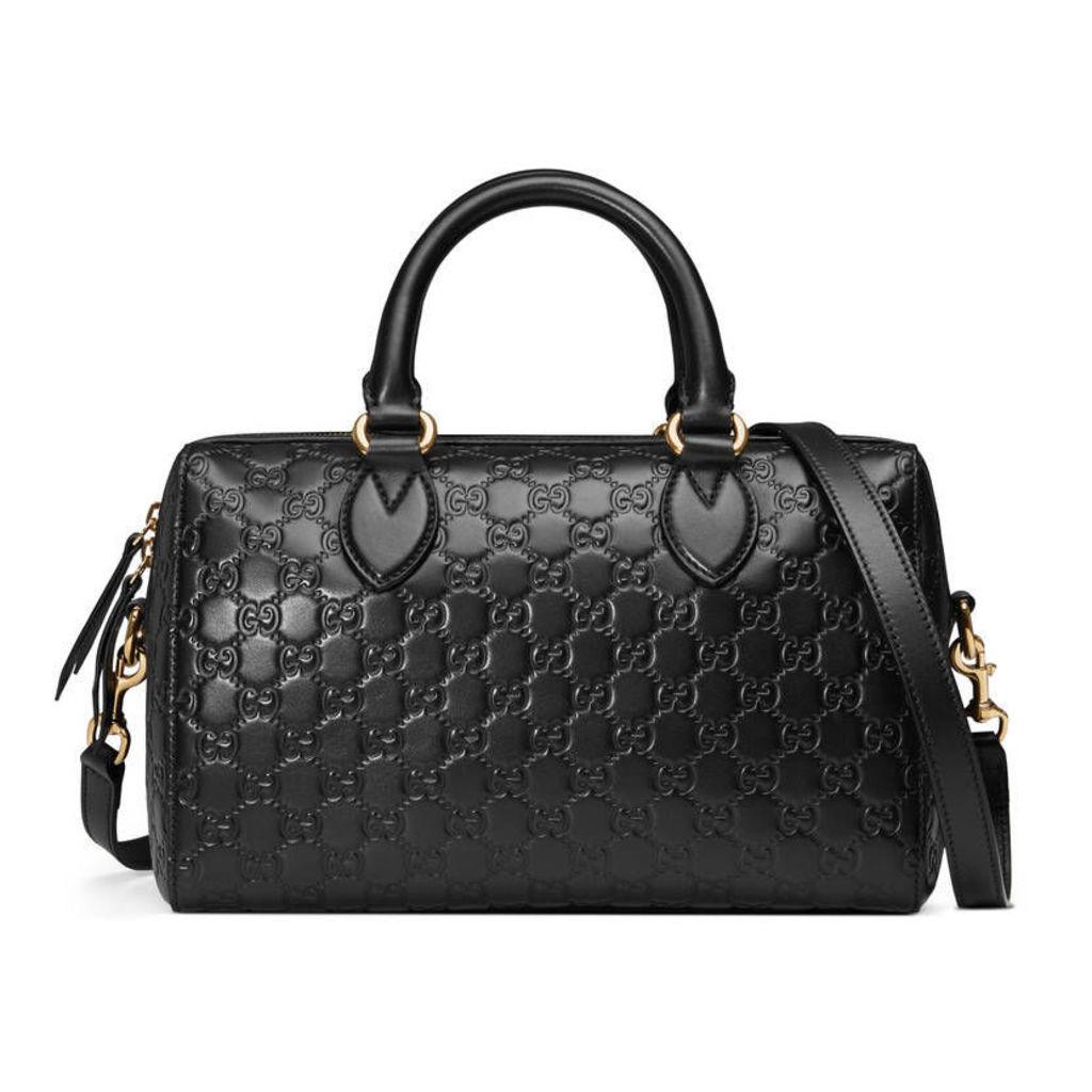 Soft Gucci Signature top handle bag