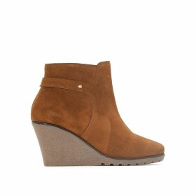 Wide Fit Suede Wedge Boots