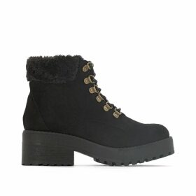 Moscu Lace-Up Ankle Boots