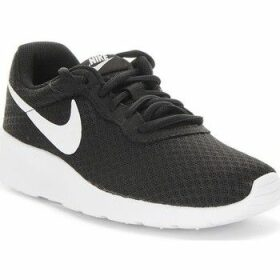 Nike  Wmns Tanjun  women's Shoes (Trainers) in Black