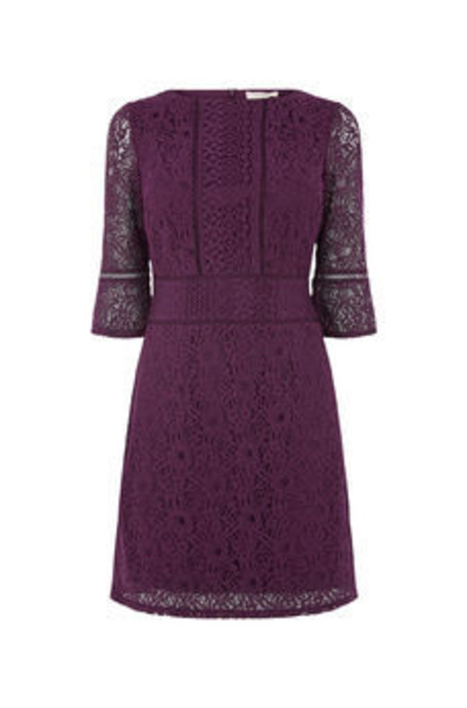 KICK SLEEVE LACE DRESS