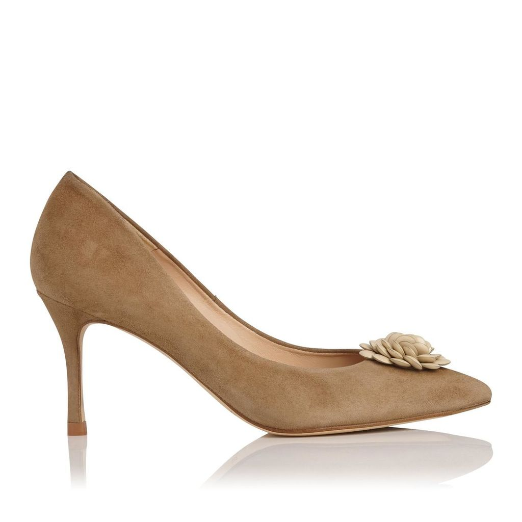 Gisele Brown Suede Closed Courts