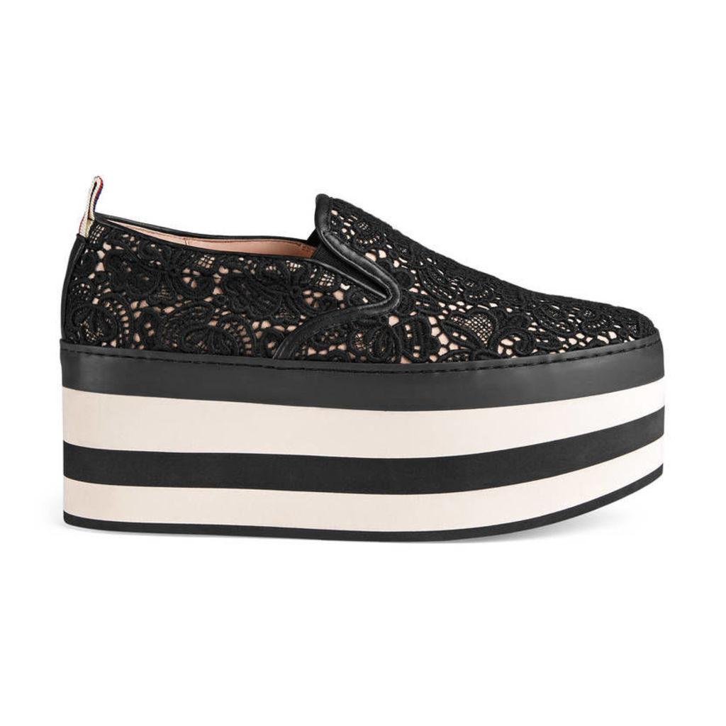 Lace platform sneaker