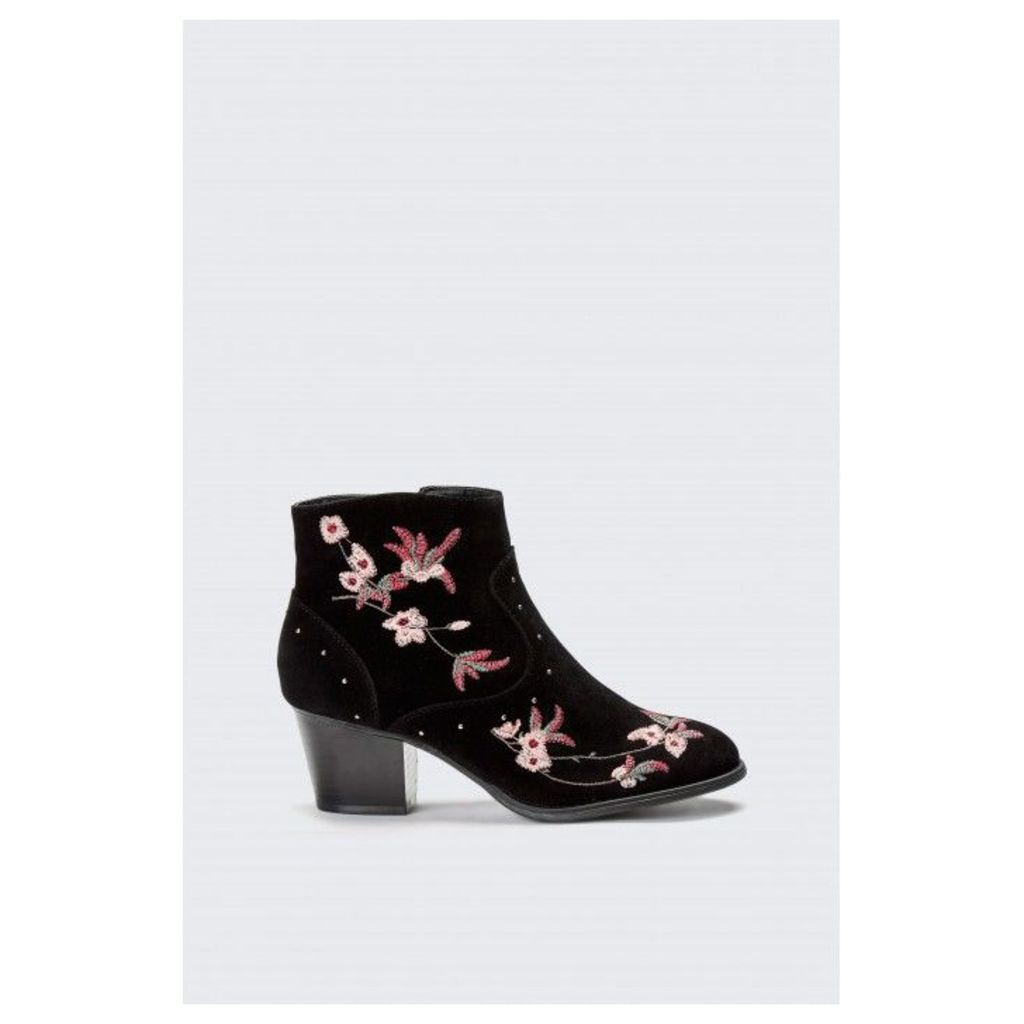 EMBROIDERY WESTERN ANKLE BOOTS