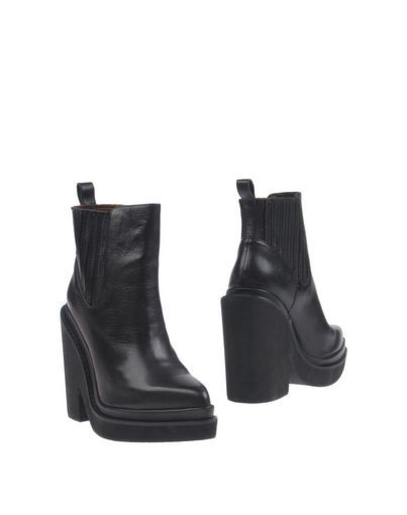 WINDSOR SMITH FOOTWEAR Ankle boots Women on YOOX.COM