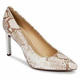 Geox  FAVIOLA C  women's Court Shoes in Beige