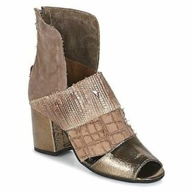 Papucei  DEBRA  women's Sandals in Brown