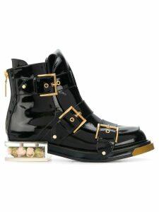 Alexander McQueen buckle fastening boots - Black