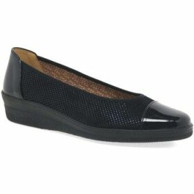 Gabor  Petunia Womens Patent Accent Low Heeled Pumps  women's Shoes (Pumps / Ballerinas) in Blue