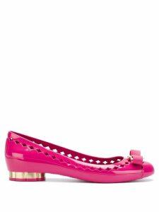 Salvatore Ferragamo cut out bow front ballerina shoes - Pink