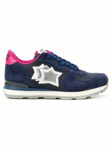 Atlantic Stars star embroidered sneakers - Blue