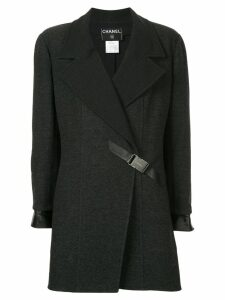 Chanel Pre-Owned buckle fastening boxy coat - Grey