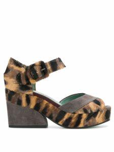 Paola D'arcano leopard print sandals - Neutrals