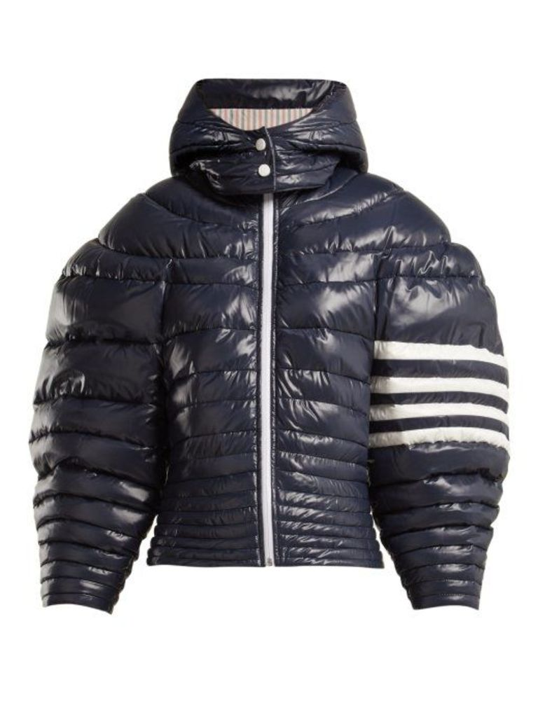 Thom Browne - Exaggerated Sleeve Padded Jacket - Womens - Navy White