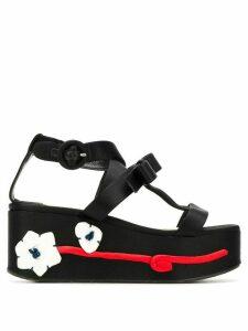 Prada Pre-Owned flower appliqué flatform shoes - Black