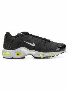 Nike AirMax Plus PRM trainers - Black