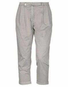 MET JEANS TROUSERS 3/4-length trousers Women on YOOX.COM