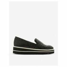 Graded slipper-cut leather flatforms