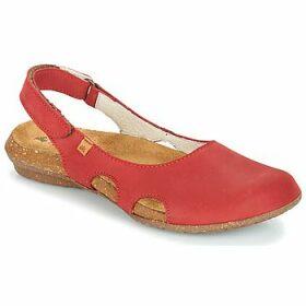 El Naturalista  WAKATAUA  women's Sandals in Red