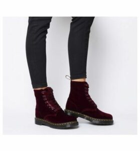 Dr. Martens 8 Eyelet Lace Up Bt CHERRY RED ZE YOU VELVET