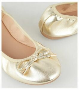 Wide Fit Gold Faux Croc Elasticated Ballet Pumps New Look