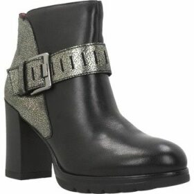 Stonefly  OVER 10  women's Low Ankle Boots in Black