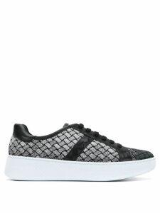 Bottega Veneta embroidered low-top sneakers - Black