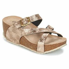 Elue par nous  EPICETOU  women's Mules / Casual Shoes in Gold