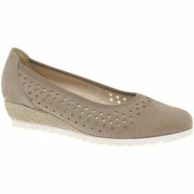 Gabor  Evelyn Womens Low Wedge Heel Shoes  women's Espadrilles / Casual Shoes in Beige