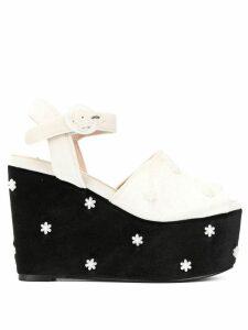 Tu es mon TRÉSOR flower bead platform sandals - Black