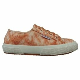 Superga  2750 Velvet Shiny Wrinkled  women's Shoes (Trainers) in Pink
