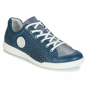 Pataugas  PACHA  women's Shoes (Trainers) in Blue