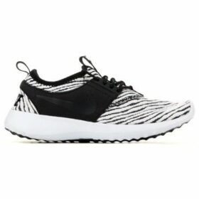 Nike  Wmns  Juvenate SE 862335 004  women's Shoes (Trainers) in Black