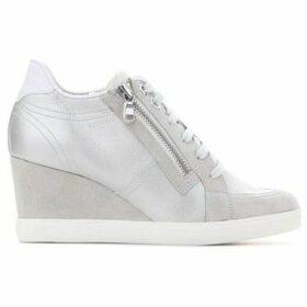 Geox  D Eleni A D6267A-0BV21-C2228  women's Shoes (High-top Trainers) in Grey