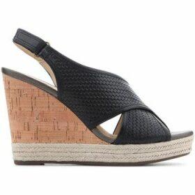 Geox  D Janira C D82P6C 06RBC C9999  women's Sandals in Black