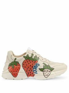 Gucci Rhyton strawberry sneakers - White