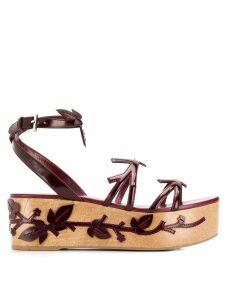 Prada appliqué platform sandals - Red