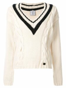Chanel Pre-Owned 2006 cable knit V-neck jumper - White