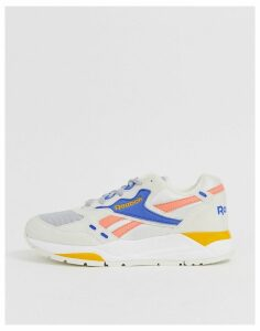 Reebok Bolton trainers in chalk and pink-Cream