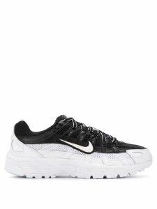Nike appliqué detail sneakers - Black