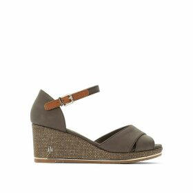 Estella 2D Wedge Heel Sandals with Cross-Strap