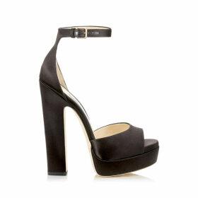 LIBERTY 150 Sandalen aus schwarzem Satin mit Plateausohle