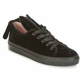 Minna Parikka  T-BOW  women's Shoes (Trainers) in Black