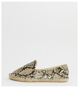 ASOS DESIGN Wide Fit Jual espadrilles in snake-Multi