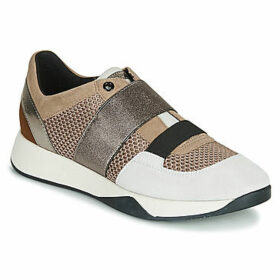 Geox  D SUZZIE  women's Shoes (Trainers) in Beige