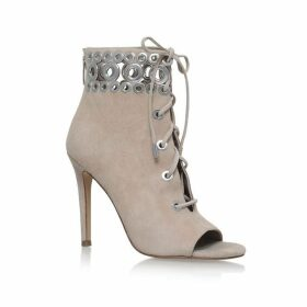 Kendall and Kylie Giada boots