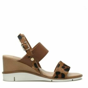 Moda in Pelle Nevva Medium Casual Sandals