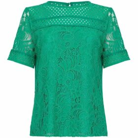 Yumi Curves Lace Detail Short Sleeve Top