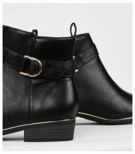Wide Fit Black Leather-Look Ankle Boots New Look
