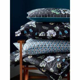 V and A Gardenia Standard Pillowcase Pair